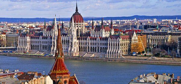 Panorama Parlamento 600x278 - Budapest e il Balaton  Programma di massima  31 agosto – 3 settembre 2017