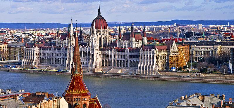 Panorama Parlamento - Budapest e il Balaton  Programma di massima  31 agosto – 3 settembre 2017