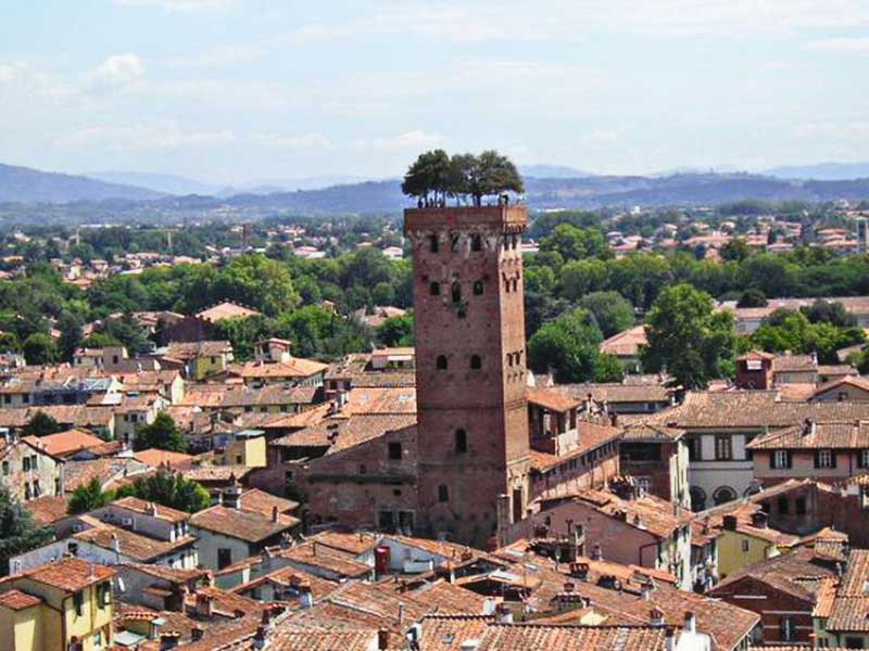 Disponibilità – prenotazioni aperte – Tour Lucca e i borghi della Versilia 09-10 giugno 2018