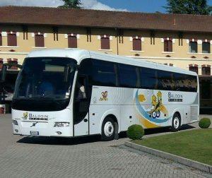bus baldoin 2 e1535013313147 300x252 - Noleggio pullman - bus e minibus - pulmini e van a Treviso