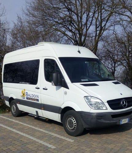 minibus e1535013354187 - Transfer per la Tiramisù World Cup 2018 JUNIOR 15-16 dicembre