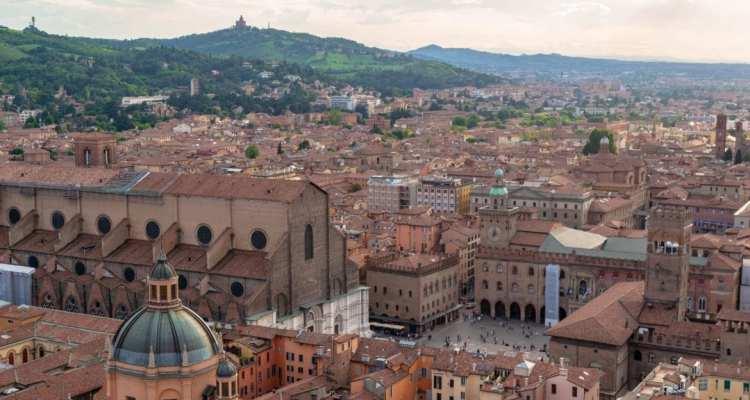 BolognaFromTower 6 1170x789 1 - 11 Settembre 2021 - Bologna e il Castello Rocchetta Mattei